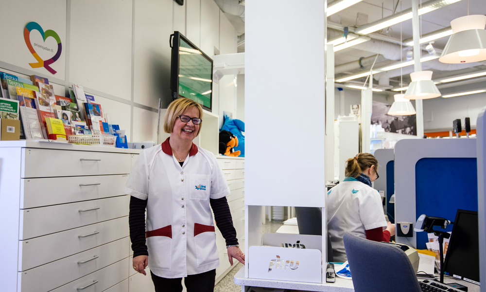 A powerful solution to a small and challenging space: Tampereen 9. Länsi apteekki Pharmacy